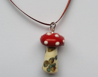 Toadstool decoration. Lampworked glass
