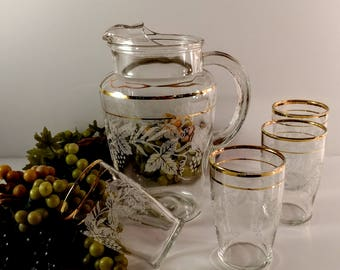 Vintage Bartlett Collins 5 Piece Pitcher and Glasses Juice Set with White Frosted Grapevine Leaves and 22 KT Gold Trim. Mid Century Barware.