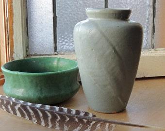 Zanesville Stoneware Company Vase Matte Glaze Shape #102 Vintage 1920's