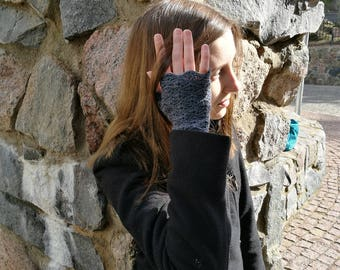 Fingerless gloves, lacy dark gray arm warmers, wrist warmers, wristers, texting / typing gloves
