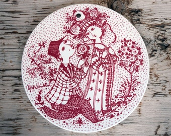 Bjorn Wiinblad Nymolle June wall plate, white with red design Juni Roser, Denmark
