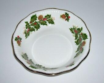 6 Vintage Rosina Queens Yuletide Christmas Bone China Dessert Salad Bowls
