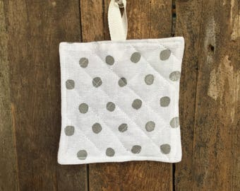 Child's Hot Pad (matches Apron and Oven Mitt play set), dots