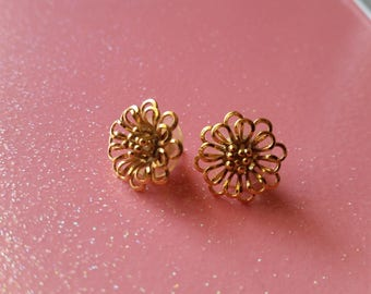Tiny Golden Flower Earrings - vintage pierced