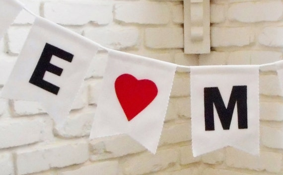 Custom Valentines Day Banner - Personalized Message - Custom Colors - Heart Bunting Garland - Valentines Sign - Fireplace Mantle Decor