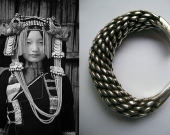 Antieke zilveren armband, Akha, Noord Thailand, Laos  1900