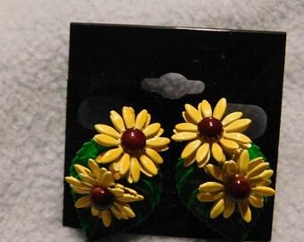 Vintage Sunflower Pierced Earrings