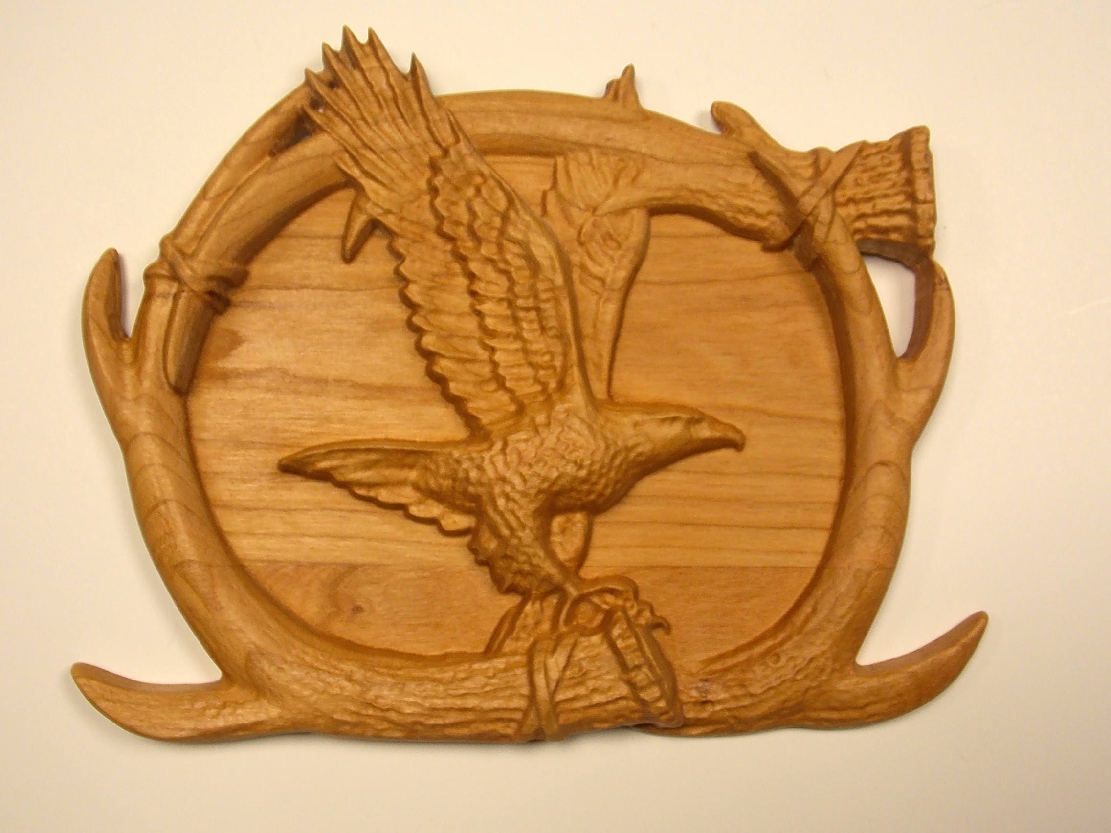Eagle wood carving antler wall art bald