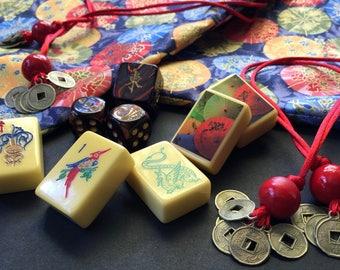 "Vintage Mahjong Set ""Parasol Parade"" ~ Royal Depth Control ~ 160 Catalin Tiles ~ 4 Catalin Racks"