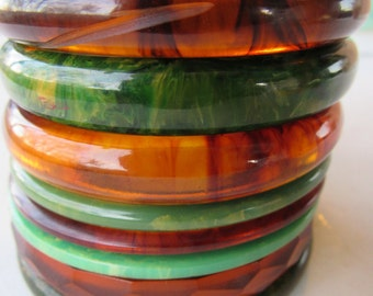 Art Deco Set of 8 Spinach and Rootbeer Bakelite Bangles Tested