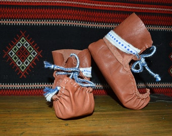 Lapland baby shoes. Reindeer boots.