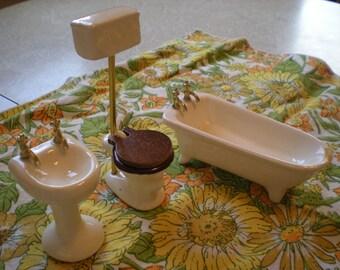 Miniature Porcelain Bathroom set of 3 sink, toilet, clawfoot tub, for dollhouse