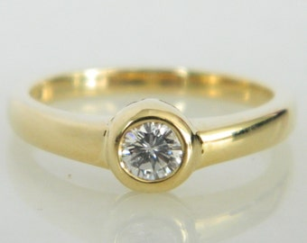 Vintage 14K Yellow Gold Low Set Diamond Engagement Ring / 0.25ct diamond