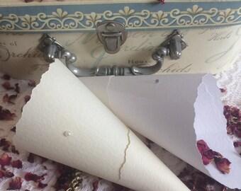 25x WEDDING CONFETTI CONES, vintage cones, with natural, bio-degradable rose petals, ivory or white, diamante or pearl, handmade cones