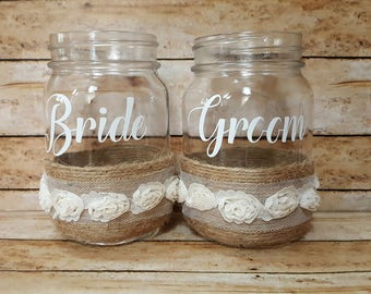 Rustic Wedding Bride and Groom Mason Jar Mugs, Personalized Mason Jars, Wedding Toasting Glasses, Country Wedding, Mr and Mrs Mugs, Set of 2