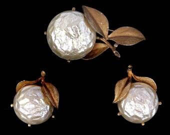 Vtg Sarah Coventry Pearl Bloom Demi Parure Faux Pearl Pin Clipback Earrings