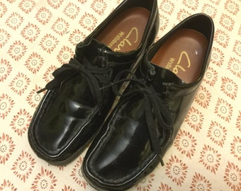 Vintage Clarks wallabies patent leather leisure shoes seventies library size 7
