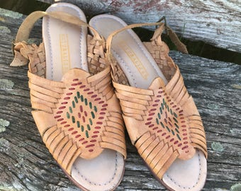 Vintage Leather and Wood Huarache sandals. By naturalizer. Size 8. Real Leather Huaraches. Vintage 1980's.