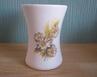 Purbeck British Ceramic Vase Daisy Flower Arrangement Swanage Pottery
