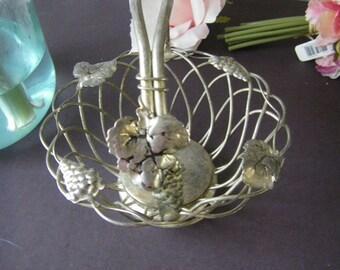 GODINGER  basket w/ folding handle  GRAPE motif