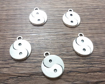 25 pcs   Antique Silver Ying Yang Charms , Ying Yang Pendans, Chinese Charms  Chinese Jewelry