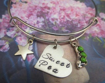 Sweet Pea Bracelet - Jewelry Gift for Her - Charm Green Peas - Heart
