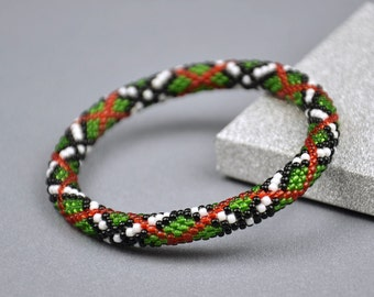 Christmas gift for her Christmas beaded bracelet green red bracelet Bead crochet bangle christmas gift ideas beaded jewelry Gift for women