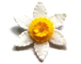 Felt daffodil brooch / pin