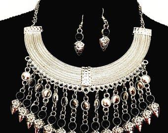 Boho necklace earrings jewelry set, silver tone necklace earrings set, black beaded jewelry set, Bohemian jewelry set, choker.