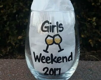 Girls Weekend handpainted stemless wine glass/girls getaway/ladies trip/ladies weekend