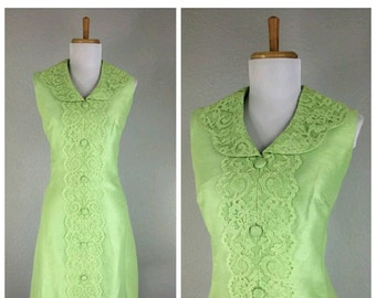 1960's vintage green silk dress. size small.