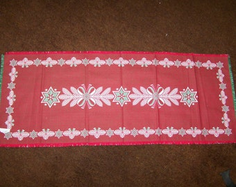 Traditional Christmas style Runner handwoven Hand Made in Austria
