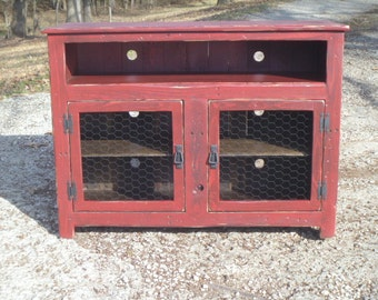 Barn Red Rustic Pallet TV Stand, Chicken Wire Doors, Sideboard, Reclaimed  Wood,
