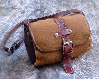 Hippie 70s furry cow cylinder bag, leather handbag inspired cylindrical 70 years.