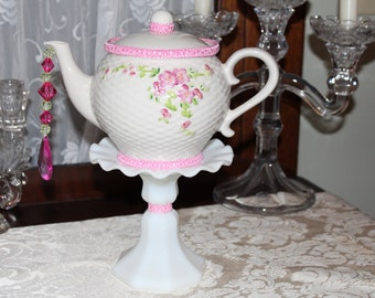 Vintage FTD Floral Teapot Standing Centerpiece or Vase, Wedding,  Bridal,  Baby Shower, Wonderland Mad Hatter Tea Party Decoration
