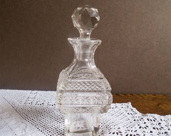 Charming vintage  perfume / scent bottle ,cut glass bottle, faceted stopper England, collectible, dressing table decor,