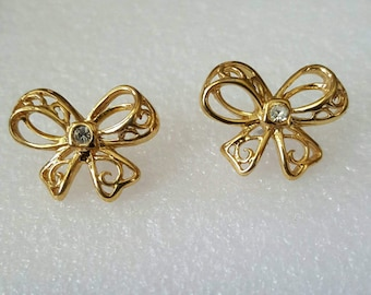 Bow~Shape Earrings ~ Goldtone Filigree