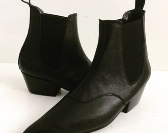 Beat Boots in Black Leather