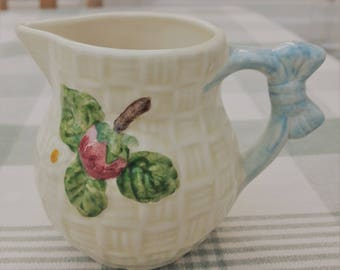 Pretty Basket Weave Effect Shorter & Son Cream Jug with Bow Handle 50's
