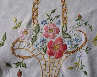 """Hand Made Tablecloth Vintage Embroidered Linen Flower Baskets 51"""" 130cms"""