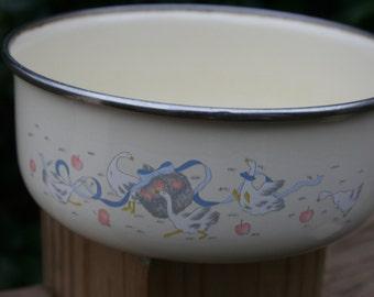 Enamelware Bowl - LincoWare - Happy Geese Bowl