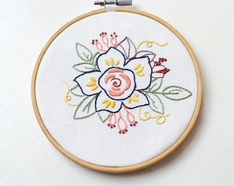 Spring Flower, Hand Embroidery PDF Pattern - Instand Digital Download // Hand Embroidery Design // Embroidery Design // Needlecraft design
