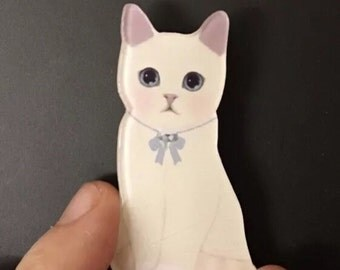 White tabby cute beautiful cat brooches