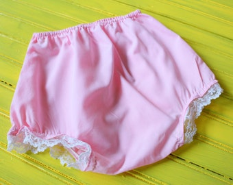 Vintage GIRL Size 3T Pink & Lace Diaper Cover, toddler girl diaper cover 3T, 3T vintage girl clothing, retro bloomers 3T, vintage girl 3T