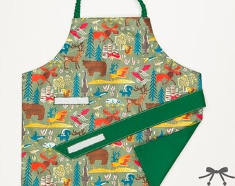 Child apron, Montessori apron, Water resistant apron, Fits 1.5 - 5 years, Forest + dark green cotton lining