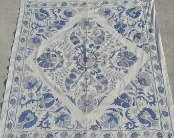 Blue and white cotton suzani cover for tablefast shippment with fedex