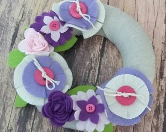 Flower Wreath, spring wreath,handmade wreath,home decor,door wreath, felt flowers,Mothers day Gift,Gift,Colourful Flowers,Small Wreath.