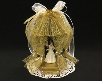 Wedding Cake Topper, Bride and Groom, Wedding Gazebo, Mr & Mrs