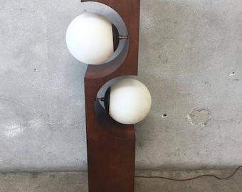 Mid Century Lamp by Modeline (K2PDXR)