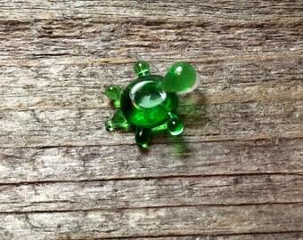 Lampwork turtle pendant bead, glass animal bead, glass bead for necklace
